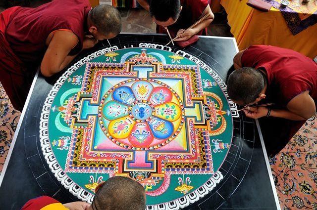 I-Mandala-dei-monaci-buddisti-09